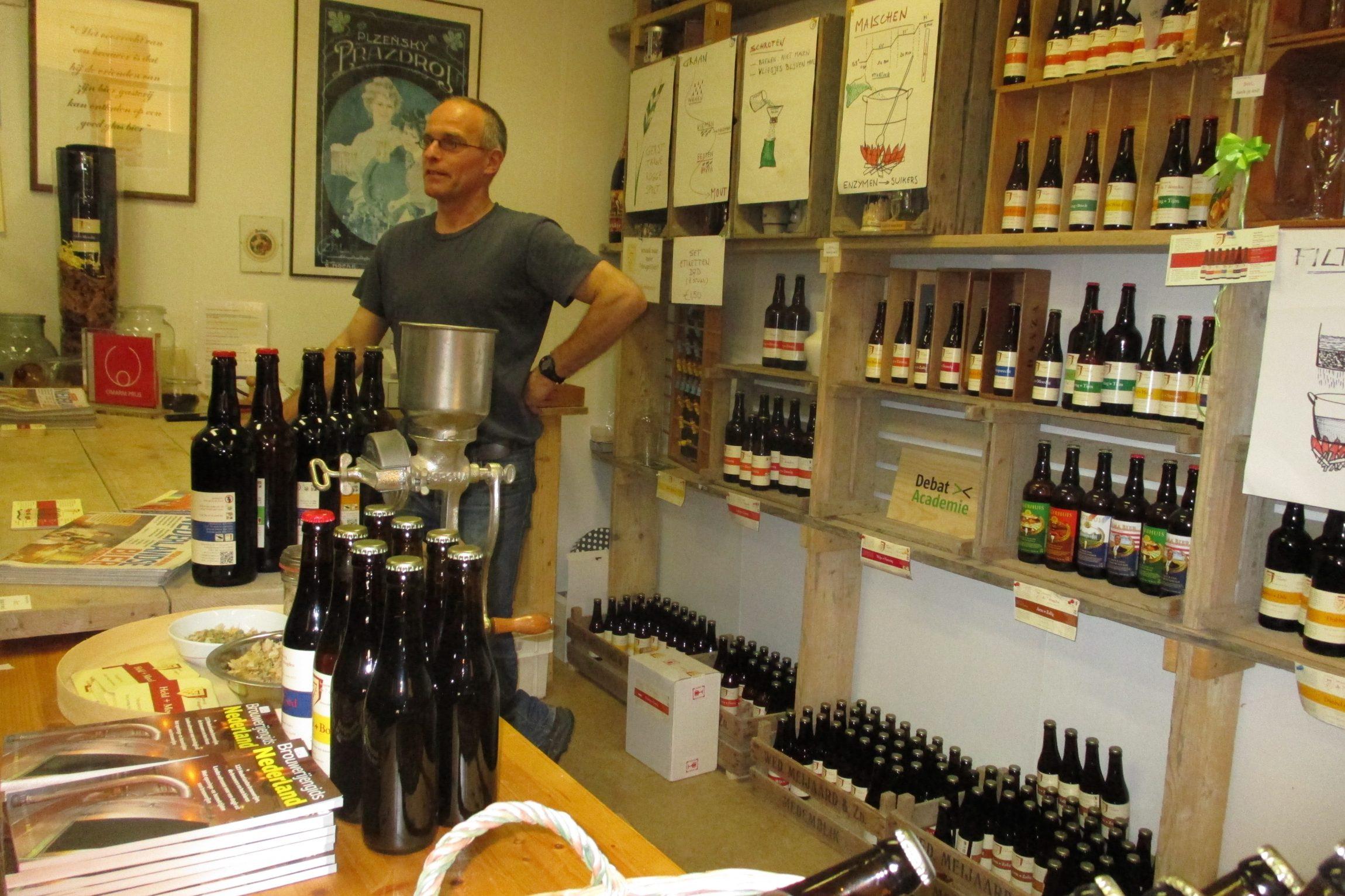 Veel sociaal ondernemers hebben werkgelegenheid tot doel en zijn gespecialiseerd in het werken met mensen die niet vanzelf in een reguliere arbeidsomgeving tot hun recht komen. Voorbeelden zijn: Specialisterren (software-testbedrijf met autistische jongeren), The Chairman at Work (stoelmassages door blinden), Ctaste (pikdonker restaurant waar blinden werken), Brouwerij De 7 Deugden (bierbrouwerij met medewerkers met een…